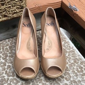 Sofft  Platform Leather Sz 7.5 Heels